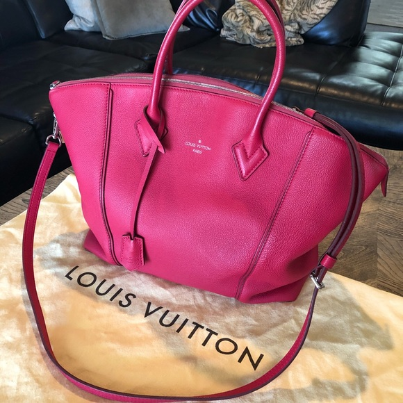 82ed11eda08b Louis Vuitton Handbags - Authentic Louis Vuitton Soft Lockit MM Framboise